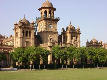 Mushaira held at Islamia College