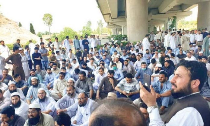No end to patients' suffering as doctors continue to boycott OPDs in KP