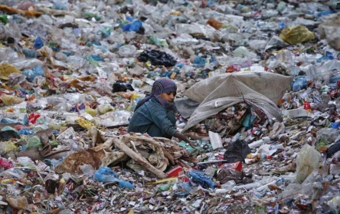 Federal govt to ban use of plastic bags in Islamabad from August 14.