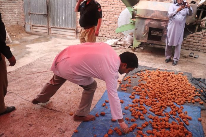 KP Food Authority seizes 6000 kg synthetically prepared Gurh