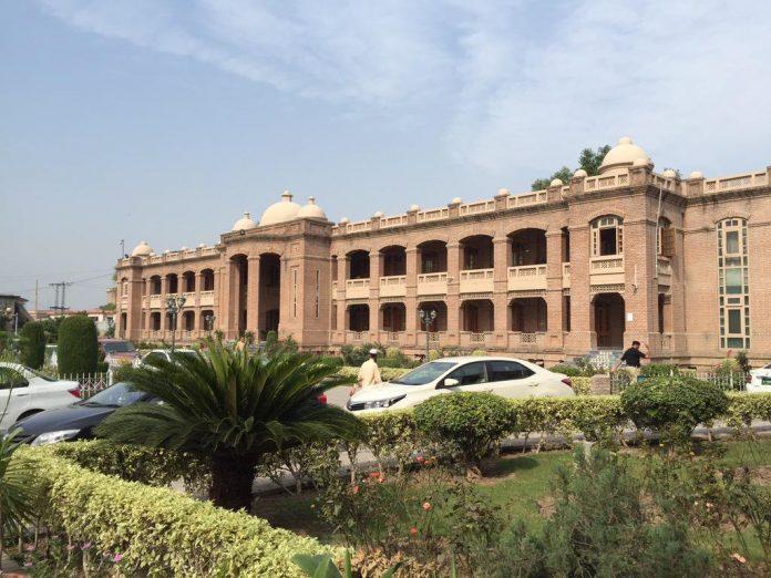 KP govt places 117 FATA Secretariat Employees in surplus pool