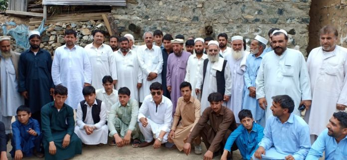 Changing loyalties: ANP workers join PPP in Lower Dir
