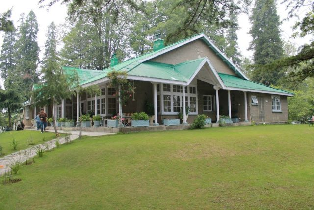 Developing tourism: KP govt hands over 169 rest houses to TCKP