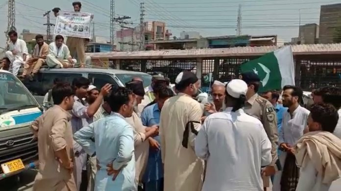 Transporters protest as OGRA bans CNG cylinders in public transport