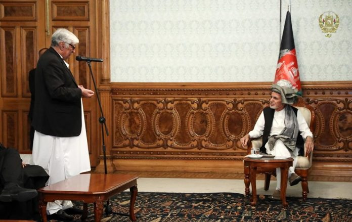 Asfandyar stresses Afghan govt inclusion in peace process