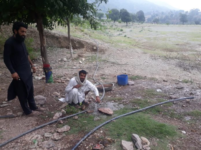 Bara: Mahsud Scouts install Tanks to preserve stream water for locals