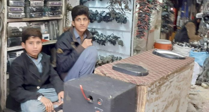 Child labour rise in Peshawar due to Covid19